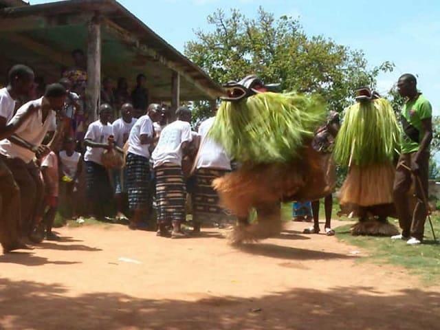 Costa-de-Marfil-Personas