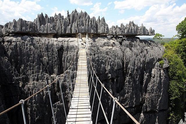 Puente-Tsingy-de-Bemaraha-Flickr