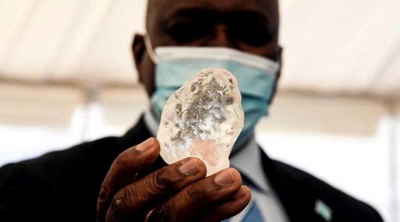 ¡Un diamante de 1098 quilates descubierto en Botswana!