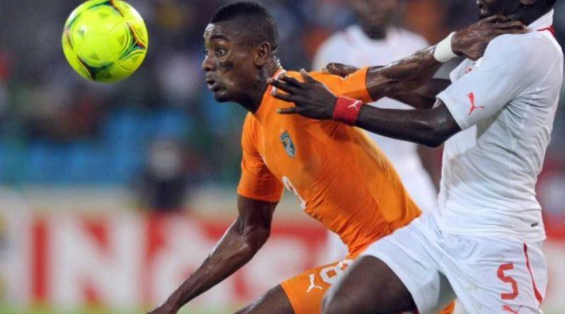 Camerún vence a Nigeria, Costa de Marfil / Burkina, Túnez / República Democrática del Congo y Senegal / Zambia.