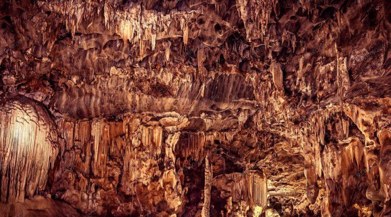 Cuevas de Cango - 4.5 mil millones de años