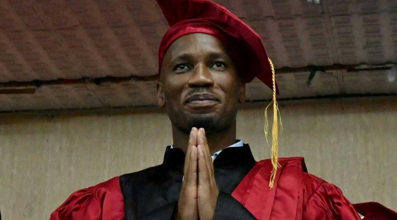 Después de Samuel Eto'o, Didier Drogba ingresó al doctorado honorario