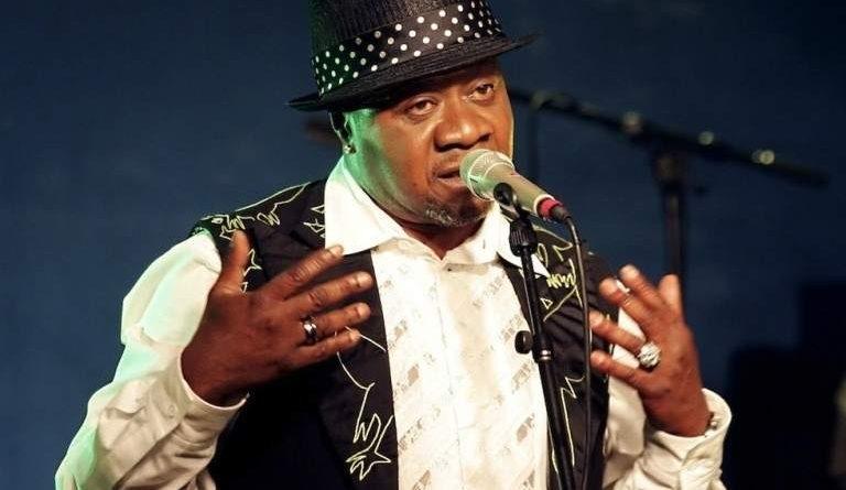 Los franceses bailaron el ndombolo con Papa Wemba