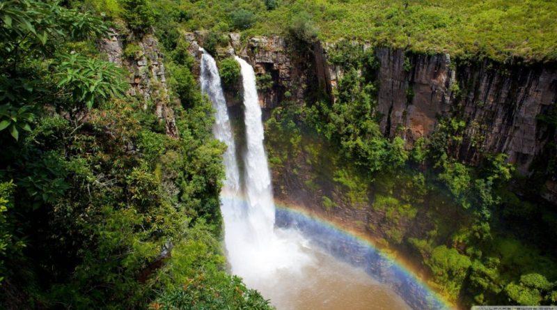 Mac-Mac Falls: arco iris doble todos los días