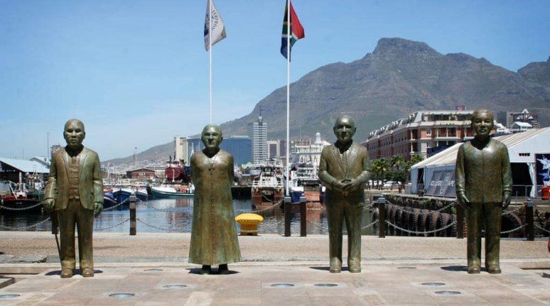 Nobel Square - Un tributo a los grandes hombres de paz